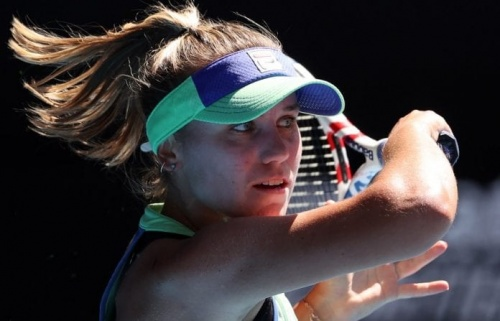 Australian Open: Sofia Kenin stuns World No. 1 Ashleigh Barty to reach final