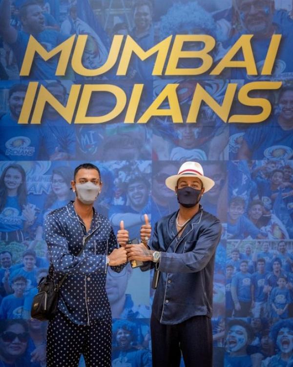 IPL 2021: Pandya brothers Kunal and Hardik join Mumbai Indian camp in Abu Dhabi